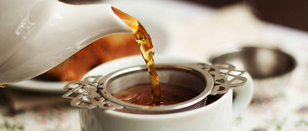 Chá preto: a bebida que ajuda a emagrecer e protege o coração